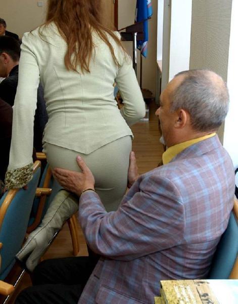 dikiy-gorlotrah-sperma-nalitso-kachestvennie-porno-foto